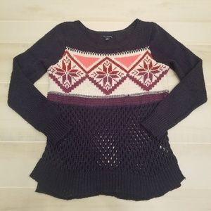 {L} American Eagle Outfitters Winter Knit Sweater
